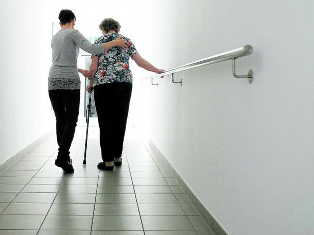 Pflege-Lehre: ÖVP will neuen Beruf als Ausweg aus der Misere