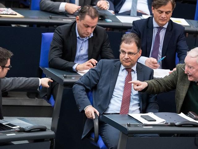 Migrationspakt im Bundestag: Einen Erfolg verbucht die AfD