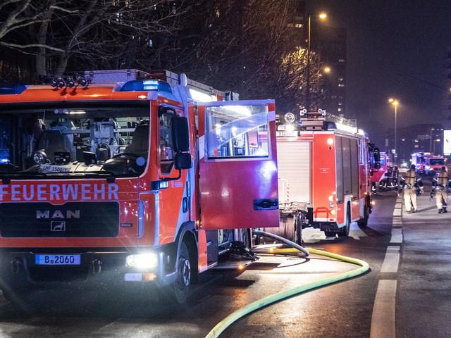 Angriffe auf Polizei und Reizgas-Attacke: So verlief Silvester in Deutschland