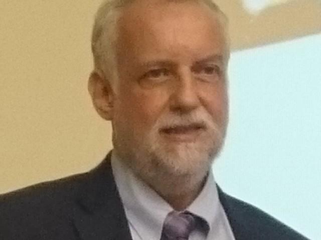 Religionsunterricht: katholischer Theologe für stärkere Kooperation von Konfessionen und Religionen