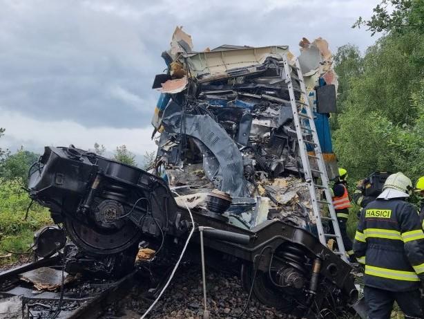 Unglück: Tschechien: Zug aus München verunglückt - Tote und Verletzte
