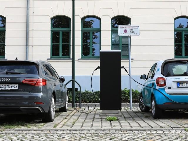 Ladesäulen für E-Autos müssen künftig Kartenzahlung ermöglichen