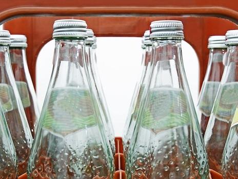 BGH legt Luxemburg Streit um Preisangaben vor: EuGH muss über Auszeichnung von Flaschenpfand entscheiden