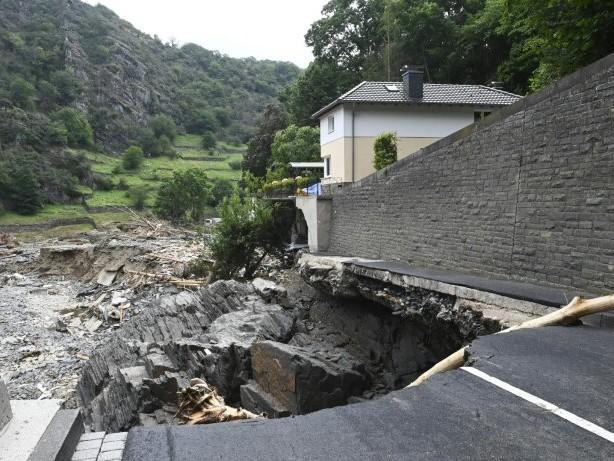700 Millionen Euro für Wiederaufbau von Straßen und Brücken in Unwetterregion
