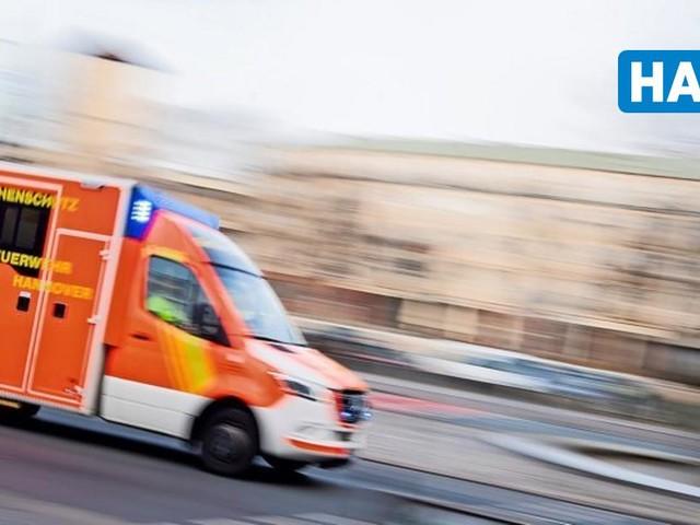 Unfall auf dem Messeschnellweg: Auto überschlägt sich und landet in der Eilenriede