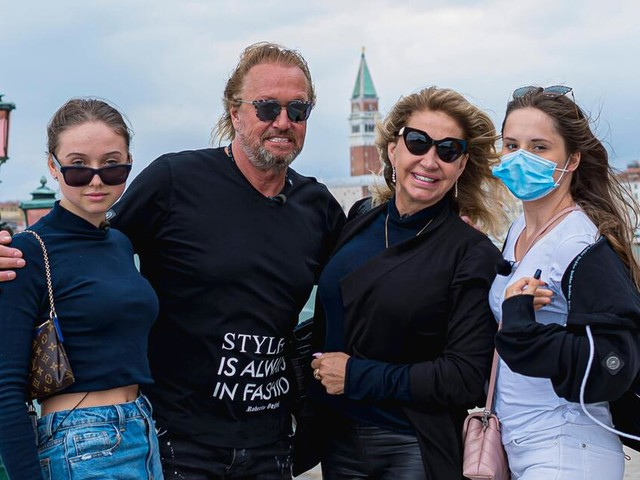 Carmen und Shania Geiss werden für Kunstwerke kritisiert