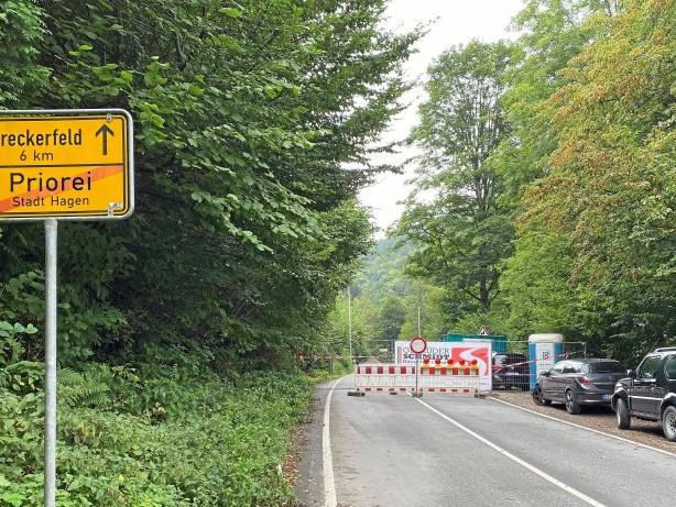 Jahrhundertflut: Zerstörte Straße in Hagen wird nach Flut wieder freigegeben
