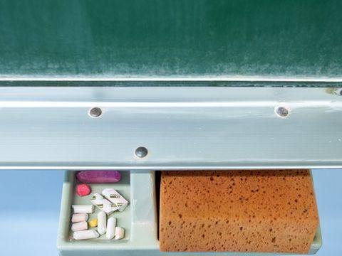 Tonne: Normalität für Schulen auch im Pandemie-Winter