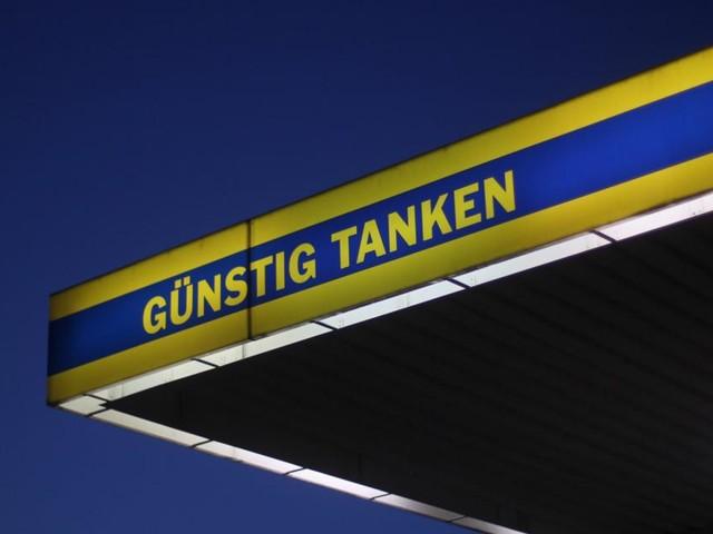 Ölpreise weiter auf Höhenflug: Preisvergleich an Zapfsäule lohnt sich