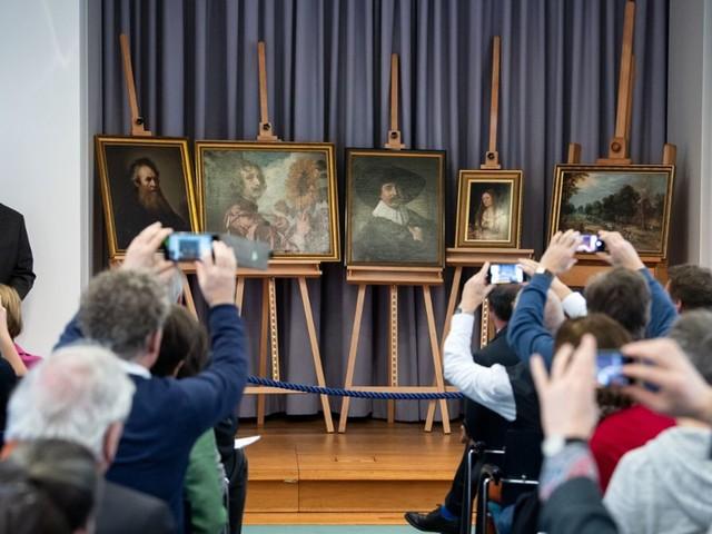 Präsentation in Gotha: Fünf Gemälde des größten DDR-Kunstraubs erstmals wieder gezeigt