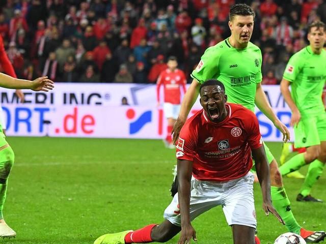 Bundesliga: Hannover nach fragwürdigem Elfmeter nur Remis in Mainz