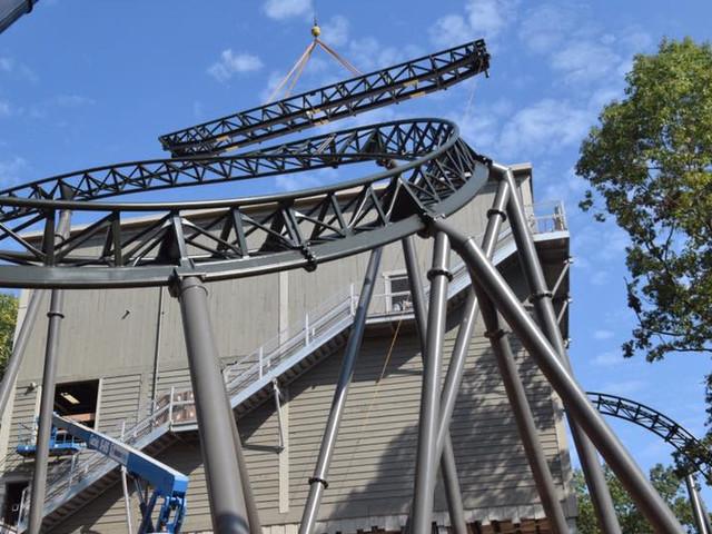 """Silver Dollar City feiert Schienenschluss bei erstem MACK Rides Xtreme Spinning Coaster """"Time Traveler"""""""