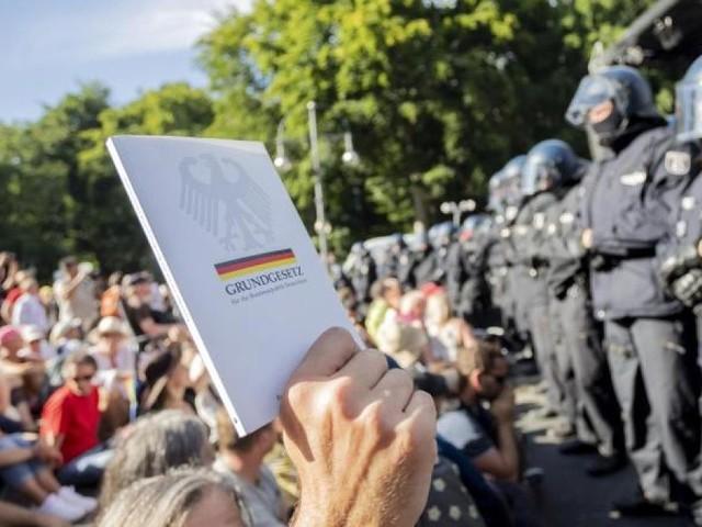 Auch auf einer Demo gegen die Corona-Regeln: Demonstriert mit Maske!