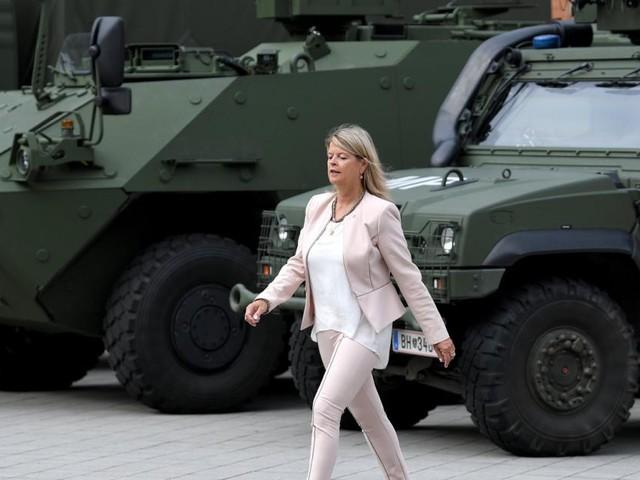 Bundesheer: Pleiten, Pech und Tanner