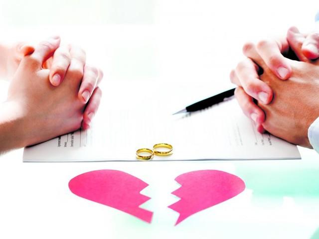 """""""Schockstarre vorbei"""": Erhöhte Nachfrage bei Scheidungsanwälten"""