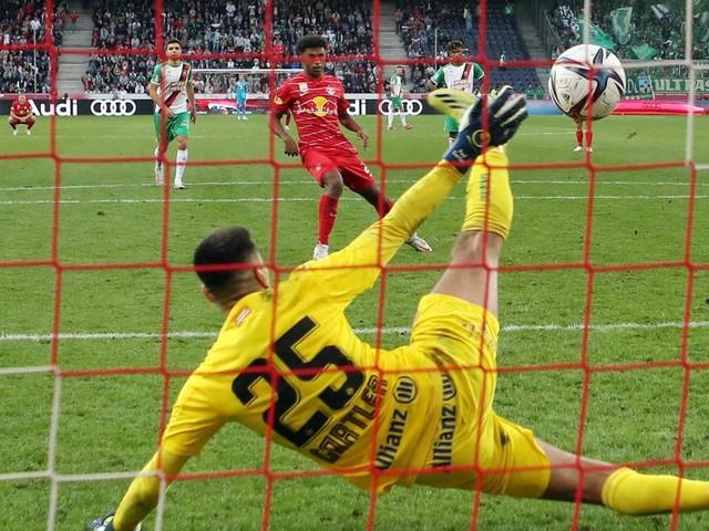 Rekord gegen Rapid: Salzburger Heimsieg nach umstrittenem Elfer