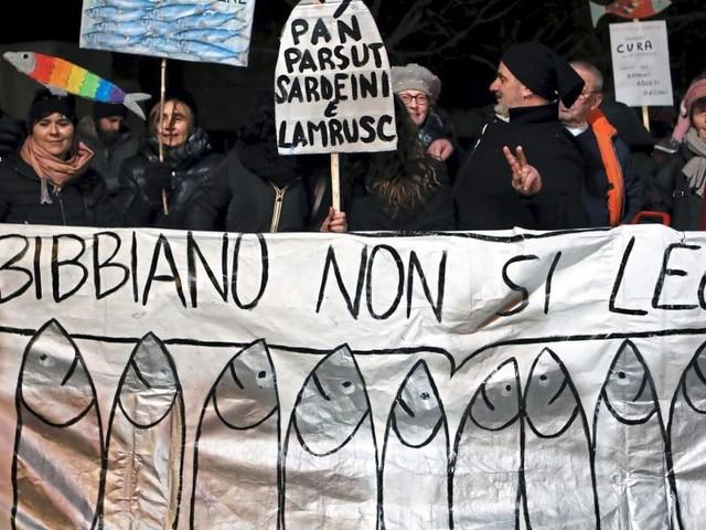 """Ein Meer von """"Sardinen"""" als letzte Hoffnung gegen Salvini"""