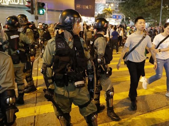 Kein Ende der Proteste: Trump: China verlegt Truppen an die Grenze zu Hongkong