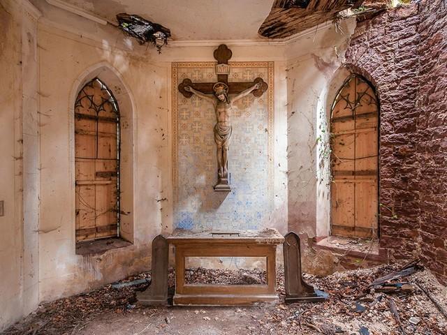 Baufällige Kirchen in Europa: In diesen Gotteshäusern betet keine Gemeinde mehr