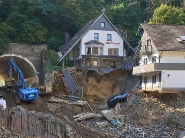 Opfer der Flutkatastrophe bekommen Milliardenhilfen
