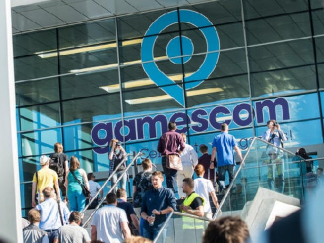 "gamescom 2017: ""family & friends"" in Halle 10.2"