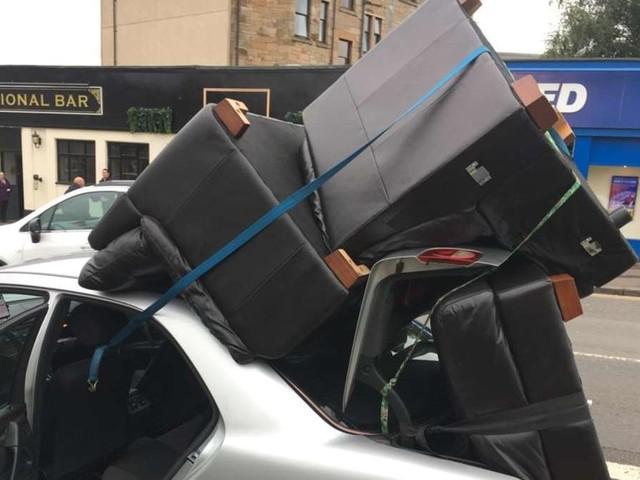 Wenn der Möbelkauf ausartet: Polizei stoppt übereifrigen Autofahrer