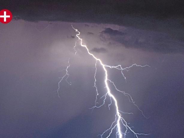 Unwetter: Unwetterwarnung für den HSK – Zum Teil höchste Warnstufe