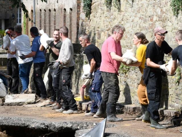 Folgen des Hochwassers: Erst die Flut, jetzt Corona: Sorge vor Superspreader-Event in Katastrophengebieten wächst