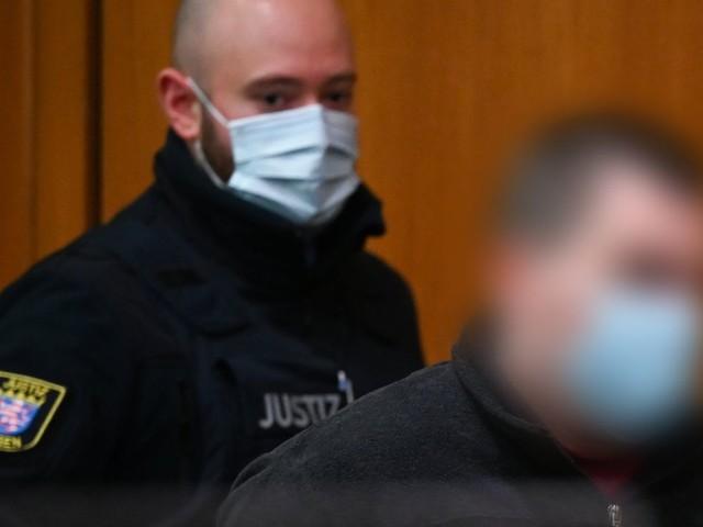Frankfurt am Main: Ehefrau in Müllcontainer geworfen – Mann wegen Mordes verurteilt