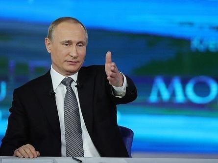 Putin bietet Ex-FBI-Chef Comey politisches Asyl an