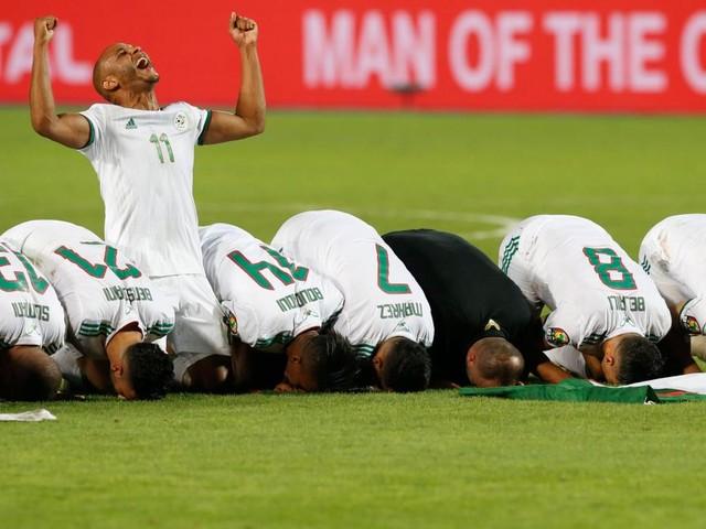 Algerier besiegen Senegal und sind Afrikas beste Fußballer