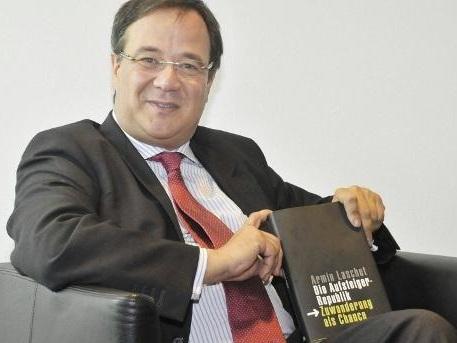 Buch von Armin Laschet: Kein Prüfergebnis vor der Wahl