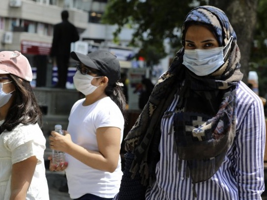 Corona-Pandemie - Türkei lockert strenge Beschränkungen