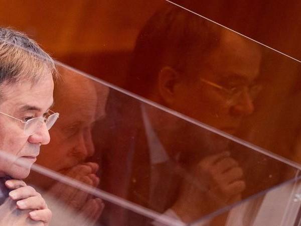 Kritik von Opposition: Laschet verteidigt Krisenmanagement