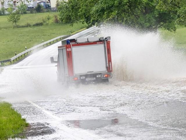 Unwetter im Westen Deutschlands halten Einsatzkräfte in Atem