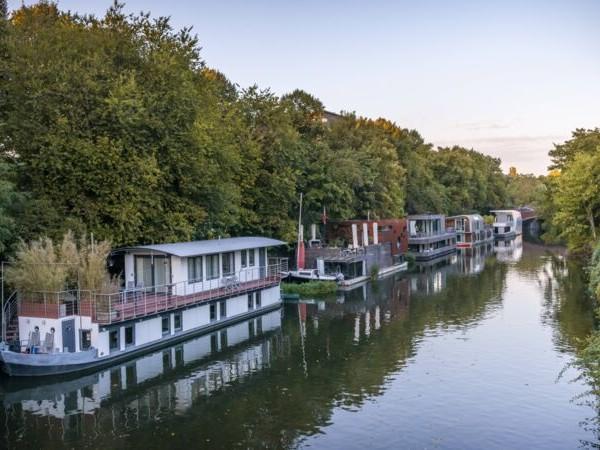 Gericht urteilt: Hausboot darf nicht als Ferienunterkunft vermietet werden