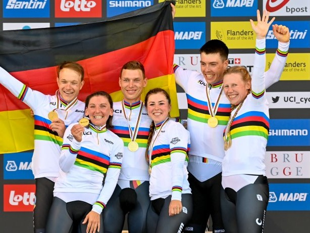 Radsport: Toni Martin radelt im Regenbogentrikot in Rente