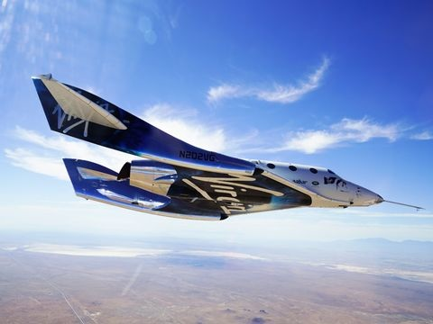 Trip ins All: Milliardär Branson noch vor Bezos in den Weltraum geflogen