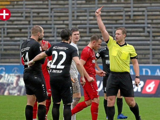 Fußball: Liedtke, Schiri aus Ennepetal, steigt weiter auf