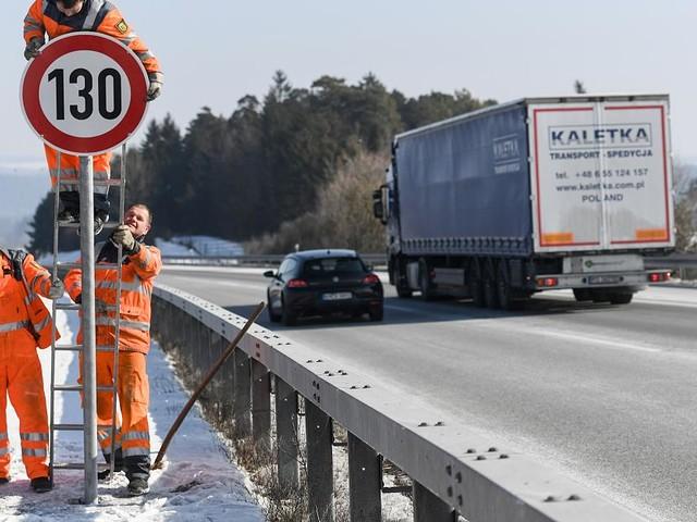 Regierungskommission arbeitet an Vorschlägen - Tempo 130 auf Autobahnen? Verkehrsministerium schimpft über Experten-Vorschläge