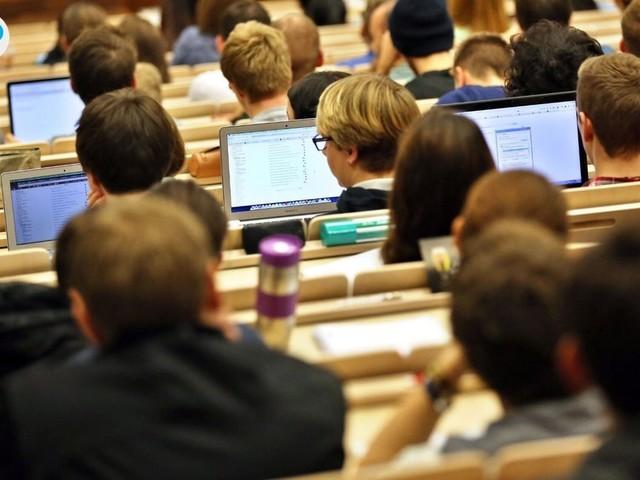 Bachelor- und Master-Titel ohne Studium? Hochschulen warnen vor Konsequenzen