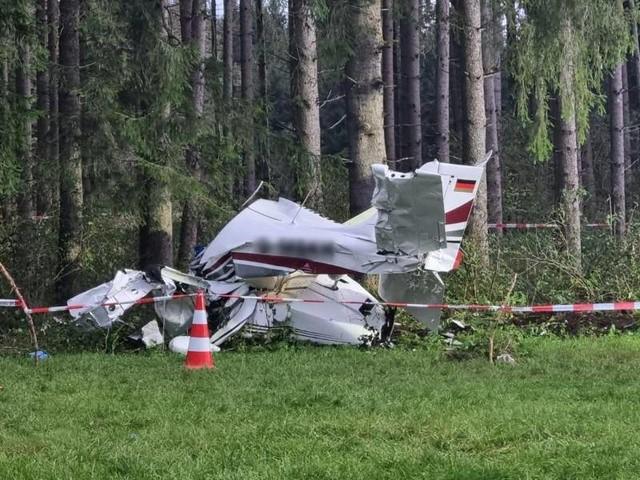 Bayern: Kleinflugzeug stürzt im Ostallgäu ab - zwei Schwerverletzte