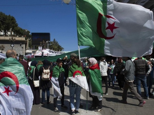 Algerien - Erste Parlamentswahl nach Sturz von Bouteflika