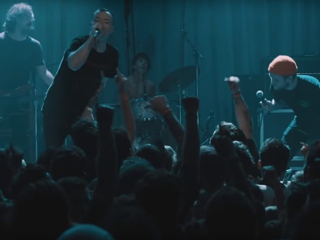 "Touché Amoré zeigen Live-Video zu ""I'll Get My Just Deserve"" mit Jordan Dreyer (La Dispute)"