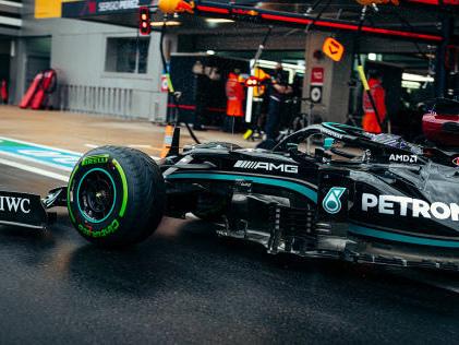 Formel 1: Mercedes Mercedes mit Fehlern: Elfmeter verschossen