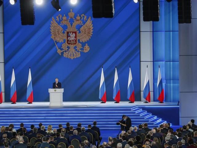 Putin hält Rede an die Nation und warnt Ausland vor Provokationen