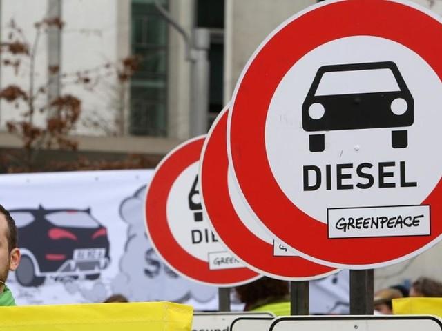 Auch Autobesitzer wurden befragt - Das denken die Deutschen wirklich über Diesel-Fahrverbote