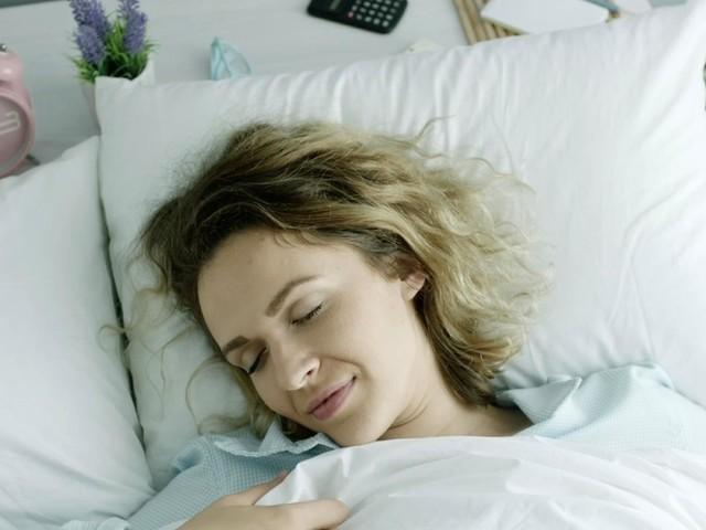 Deep Sleep Diät: Mit dieser Diät schläfst du nachts tief und fest!