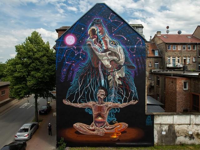 """Nychos malt großformatiges Mural in Mannheim als Teil des """"Stadt Wand Kunst"""" Festivals"""