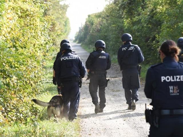 Frauenmord in NÖ: Verdächtiger Polizist noch immer auf der Flucht